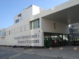 Edificio 7J de la Facultad de ADE