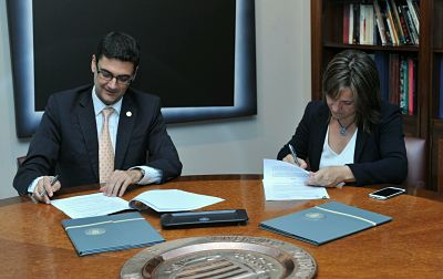 Rosa signing