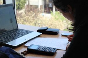 Noticia UPV: La UPV destina más de 400.000 euros a becas y ayudas ...